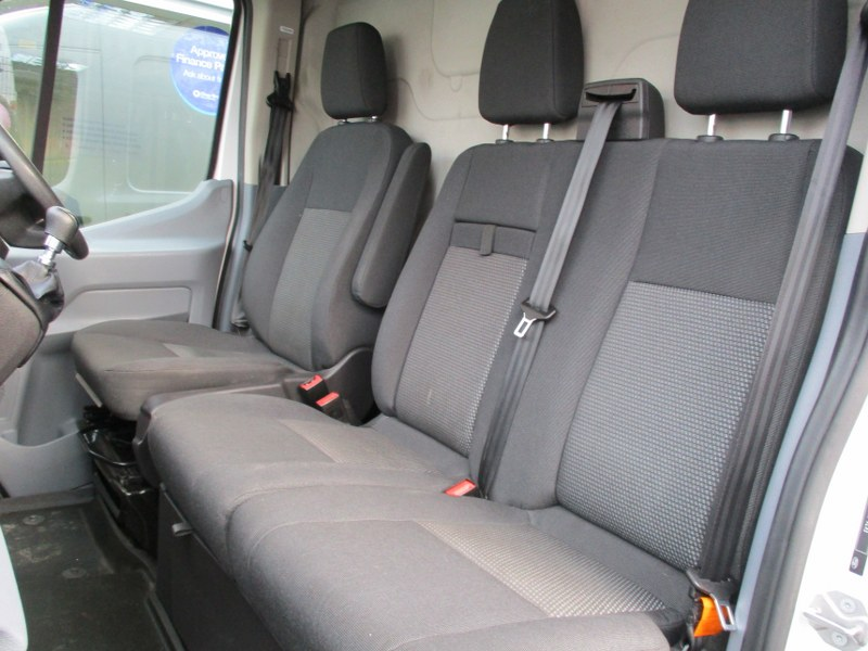 Ford Transit 2.2TDCi 350 L3H2 Long Wheelbase Medium Roof Panel Van 125PS