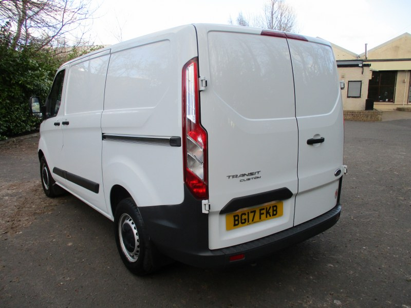 Ford Transit Custom Base 290 2.0TDCi L1H1 Short Wheelbase Low Roof Panel Van 105PS