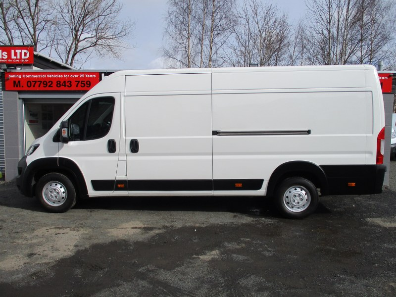 Peugeot Boxer 435 Professional 2.0BlueHDi L4H2 Extra Long Wheelbase Panel Van 130PS