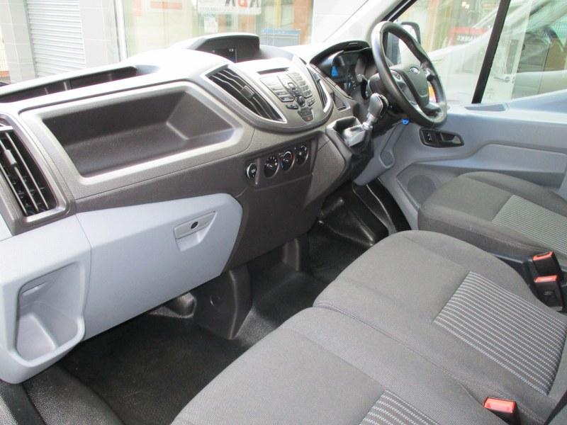 Ford Transit 290 Trend 2.0TDCi L2H2 Medium Wheelbase Medium Roof Panel Van 130PS