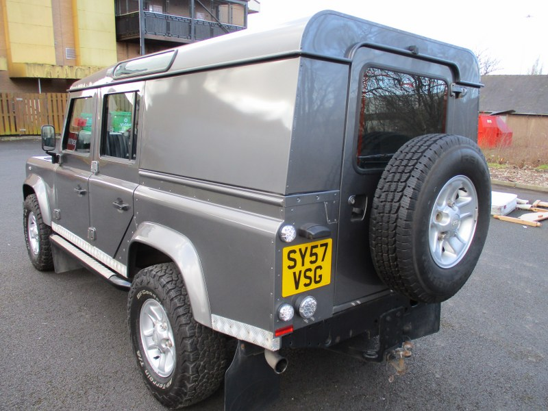 Land Rover Defender 110 Long Wheelbase XS Station Wagon 122PS